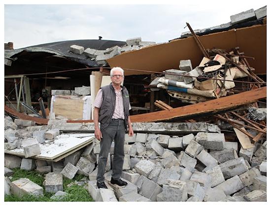 Exemple de dégâts provoqués par le passage de la tornade du 10 mai 2012 dans la région de Gand. Source : Het nieuwsblad