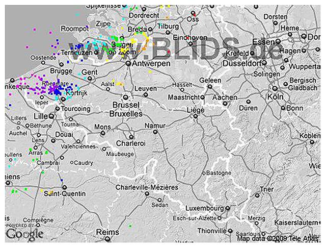 Carte des coups de foudre s'étant manifestés durant la fin de nuit. Source : Blids